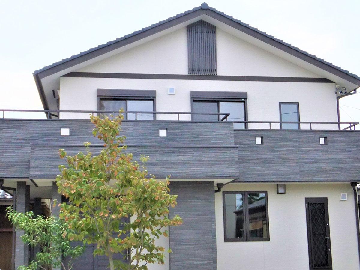 天然木と太陽光と床暖房の家